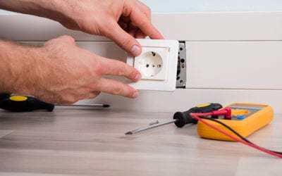 What Causes an Electrical Power Surge?