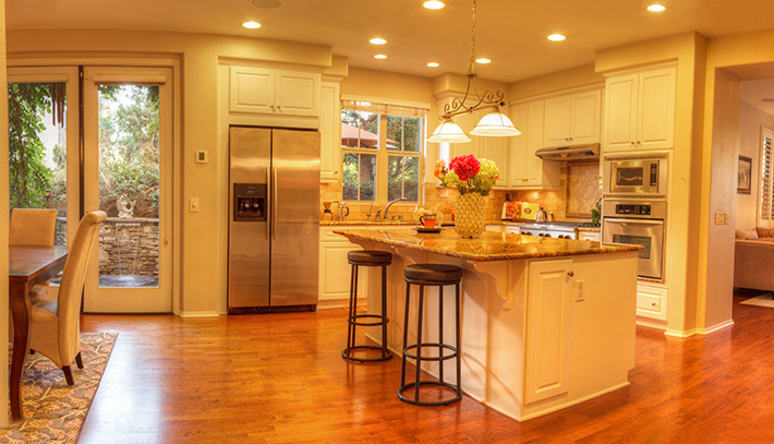 Recessed Lighting vs. Track Lighting | MI